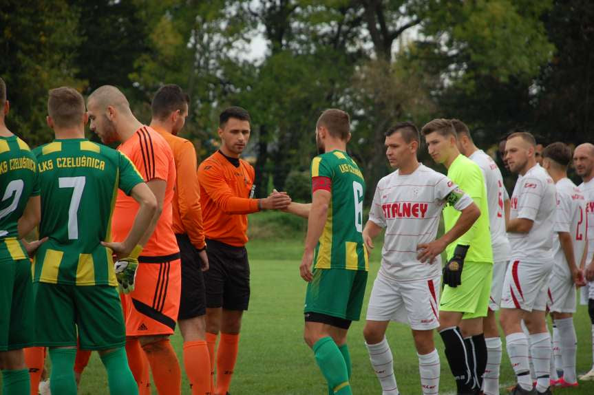 Piłka nożna. V liga. LKS Czeluśnica - Cosmos Nowotaniec 0-7